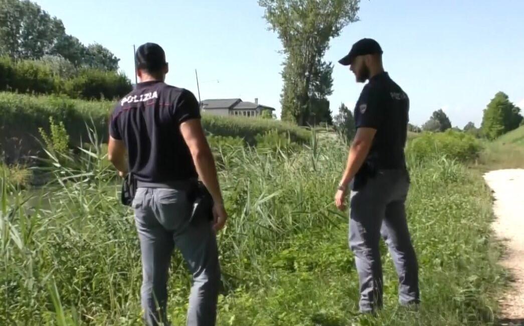 due agenti salvano padre tunisino aspirante suicida a Padova